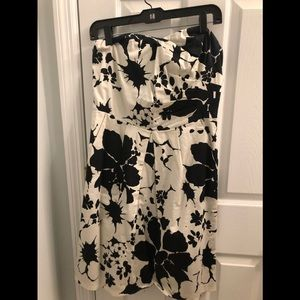 Black/White Floral Dress-The Limited-Size 8